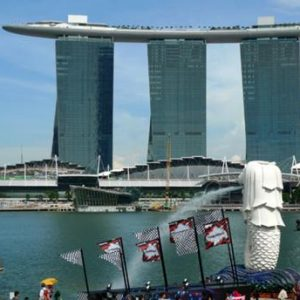 singapore-one-of-the-most-famous-tourist-attractions-21606320